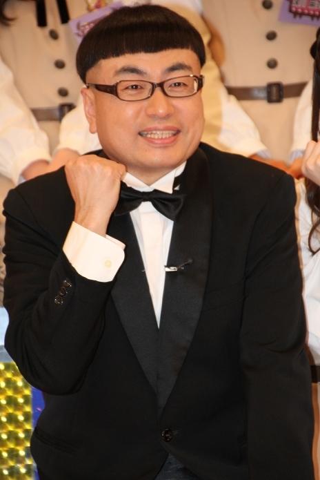 イジリー岡田/Ijilly Okada, Dec 26, 2013 : 冠バラエティー番組の第2弾「NOGIBINGO!2」の会見に登場した「乃木坂46」=2013年12月26日撮影