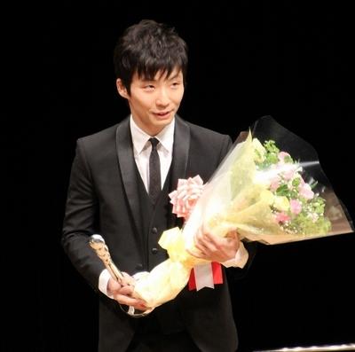 星野源/Gen Hoshino, Feb 02, 2014 : 「第35回ヨコハマ映画祭」の表彰式に登場した星野源さん=2014年2月2日撮影