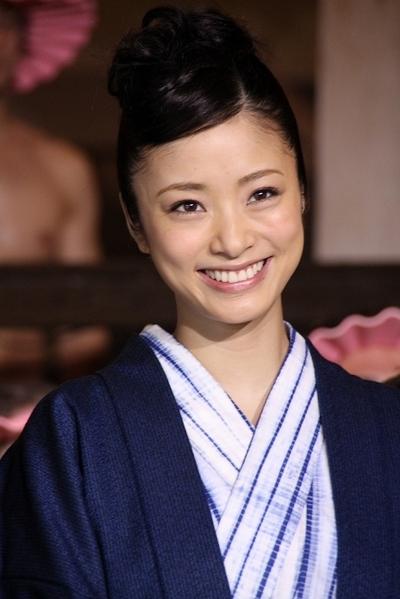 上戸彩/Aya Ueto, Apr 11, 2012 : 大江戸温泉で開催された「テルマエ・ロマエ」のイベントに登場した上戸彩さん=2012年4月11日撮影