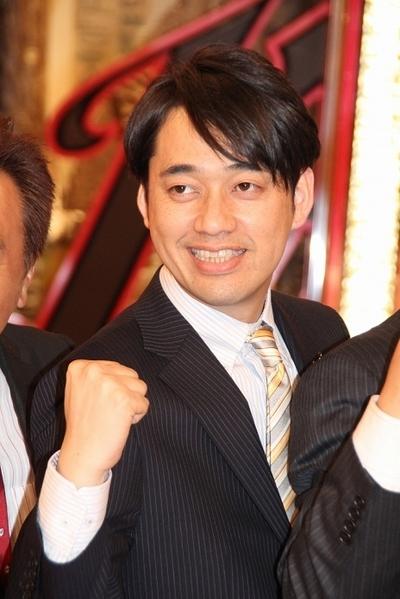 設楽統/Osamu Shitara(バナナマン/BANANAMAN), Apr 01, 2012 : 会見にそろった「キカナイトF」の出演者=2012年4月1日撮影