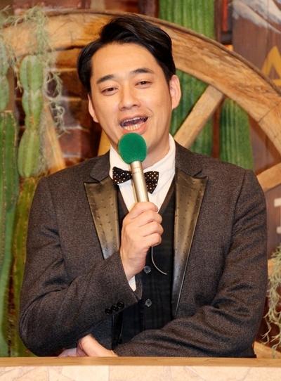 設楽統/Osamu Shitara(バナナマン/BANANAMAN, Sep 13, 2013 : スタジオゲストとして登場したテレビ東京系の特番「南米大陸3000km 爆走!ポンコツラーメン屋台」の収録後の会見