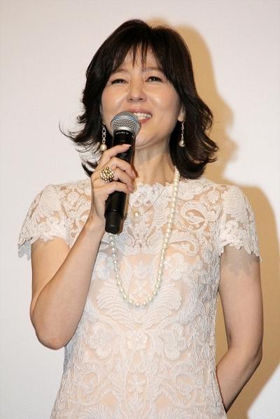 石野真子, Sep 10, 2016 : 東京・TOHOシネマズ 新宿にて開催された映画「にがくてあまい」の初日舞台あいさつ