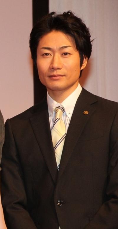 戸次重幸/Shigeyuki Totsugi, Oct 17, 2014 : 連続ドラマ「すべてがFになる」制作発表会見に登場した戸次重幸さん=2014年10月17日撮影