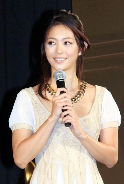 岩佐真悠子/Mayuko Iwasa, Jan 10, 2013 : 競馬パチンコ「CR G I DREAM~最強馬決定戦~」のイベント=2013年1月10日撮影