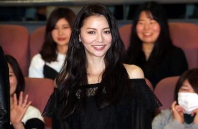 香里奈, Jan 12, 2017 : 東京都内で行われた連続ドラマ「嫌われる勇気」の舞台あいさつ
