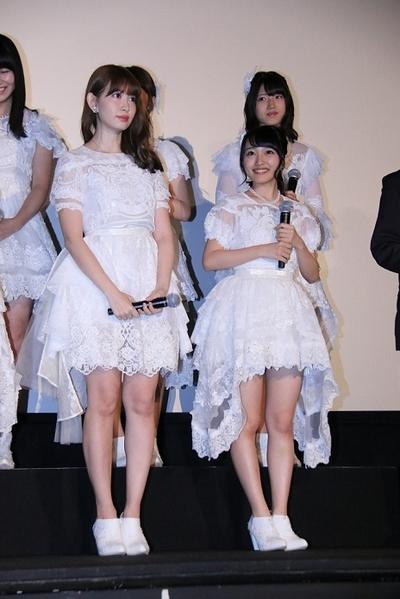 小嶋陽菜(AKB48), 向井地美音(AKB48), Jul 08, 2016 : 東京・お台場シネマメディアージュにて開催されたドキュメンタリー映画「存在する理由 DOCUMENTARY of AKB48」初日舞台あいさつ