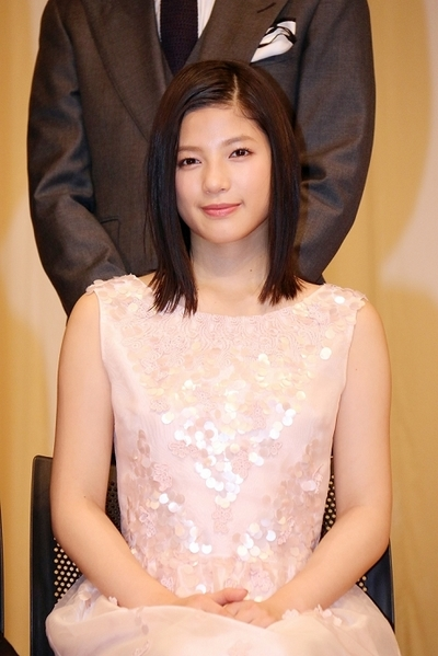 石井杏奈/Anna Ishii(E-girls), Feb 09, 2016 : 東京都内で行われた「第58回ブルーリボン賞」の授賞式