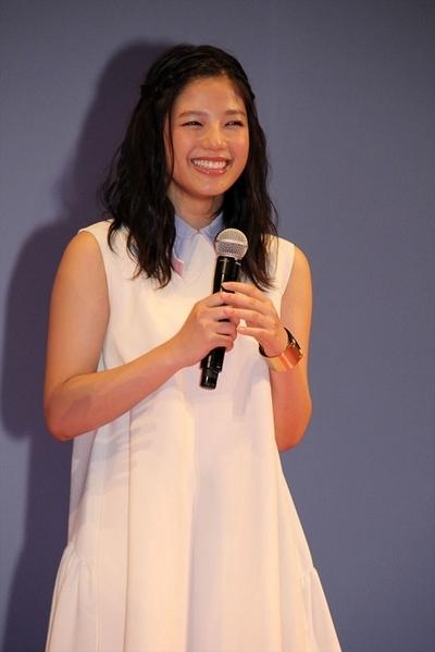 石井杏奈(E-girls), Aug 03, 2016 : 東京・イイノホールにて開催された映画「四月は君の嘘」の完成披露試写会