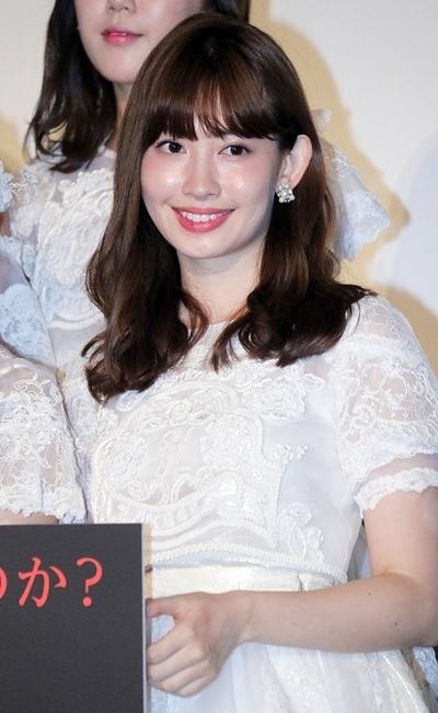 小嶋陽菜(AKB48), Jun 30, 2016 : 東京・シネマメディアージュにて行われたAKB48のドキュメンタリー映画「存在する理由 DOCUMENTARY of AKB48」公開初日舞台挨拶