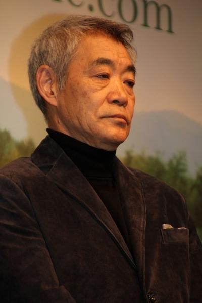 柄本明/Akira Emoto, Feb 29, 2012 : 「種まく旅人~みのりの茶~」完成披露試写会に登場した陣内孝則さん=2月29日撮影