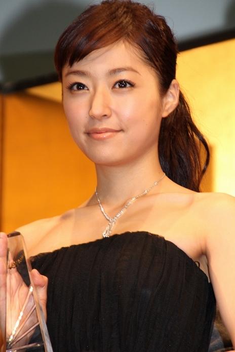 数多くのドラマや映画で活躍中の井上真央さんの高画質な画像を集めました。