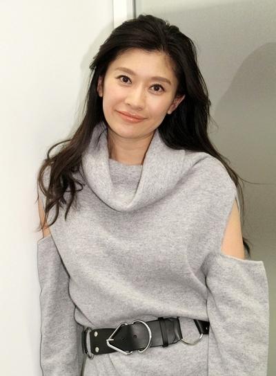 篠原涼子, Nov 21, 2016 : スペシャルドラマ「愛を乞うひと」で主演した篠原涼子さん