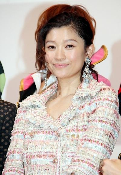 篠原涼子/Ryoko Shinohara, Dec 15, 2012 : 「ONE PIECE FILM Z」(長峯達也監督)の初日舞台あいさつに登場した篠原涼子さん=2012年12月15日撮影