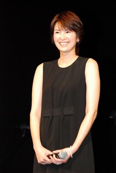 吉瀬美智子/Michiko Kichise, Feb 06, 2013 : 「草原の椅子」(成島出監督)完成披露試写会の舞台あいさつに登場した吉瀬美智子さん=2013年2月6日撮影
