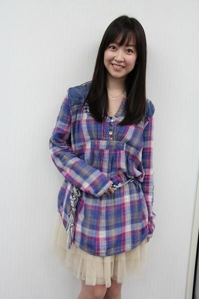 黒川智花/Tomoka Kurokawa, Mar 14, 2012 : 舞台「汚れたアヒル」=2012年3月5日撮影 「やりやすい」と息ピッタリ