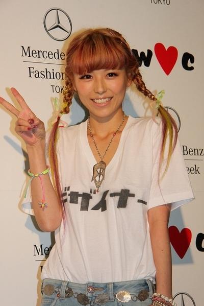 ファッションモデルの若槻千夏さん