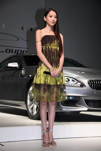 河北麻友子/Mayuko Kawakita, Jun 05, 2012 : 「ニューBMW 6シリーズ グランクーペ」発表会 発表会には、モデルのヨンアさんと河北麻友子さんも登場