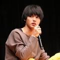 高身長男子必見!俳優・山﨑賢人が着こなすファッションを写真で紹介