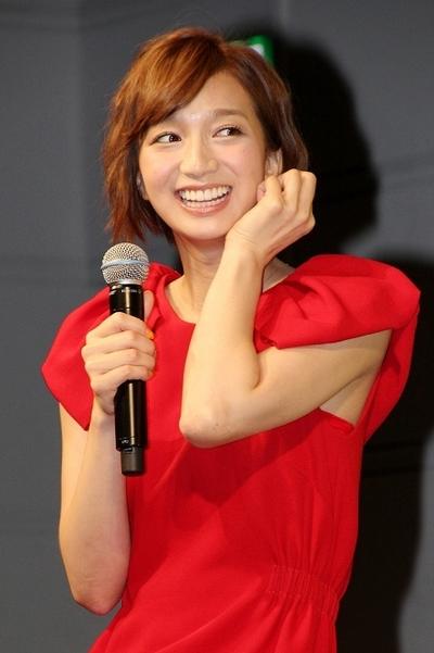 芹那/Serina, Aug 29, 2013 : 東京都内で行われたサプリメント「からだのレシピ」シリーズの記者発表会。