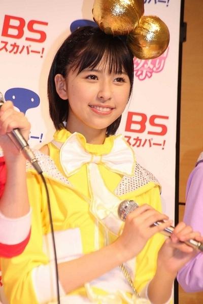 玉井詩織/Shiori Tamai(Momoiro Clover Z), Apr 29, 2012 : 「スカパー!ももクロ祭り」の会見に登場したももいろクローバーZ」の玉井詩織さん=2012年4月29日撮影 ももいろクローバーZ : NHKホールライブを初の3D生中継