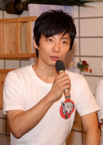 星野源/Gen Hoshino, Feb 25, 2014 : 「LIFE!~人生に捧げるコント~」の会見に番組のコントキャラクターで登場した星野源さん=2014年2月25日撮影