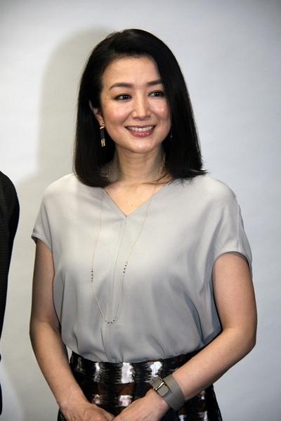 鈴木京香, Jan 12, 2017 : 東京都内で開かれたスペシャルドラマ「冬芽の人」の会見