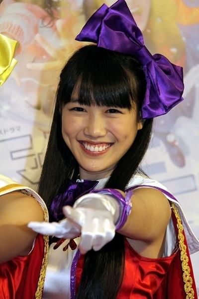 高城れに/Reni Takagi(Momoiro Clover Z), Dec 14, 2013 : 主演ドラマ「天使とジャンプ」の試写会に登場したももいろクローバーZ=2013年12月14日撮影