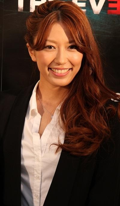 里田まい/Mai Satoda, Dec 20, 2011 : タレントの里田まい
