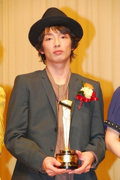 森山未來/Mirai Moriyama, Feb 10, 2013 : 「キネマ旬報ベスト・テン」主演男優賞を受賞した森山未來さん=2013年2月10日撮影