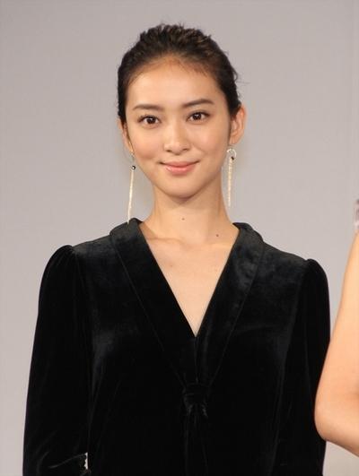 武井咲, Sep 29, 2016 : 東京都内で行われた「第1回ミス美しい20代コンテスト」発表会