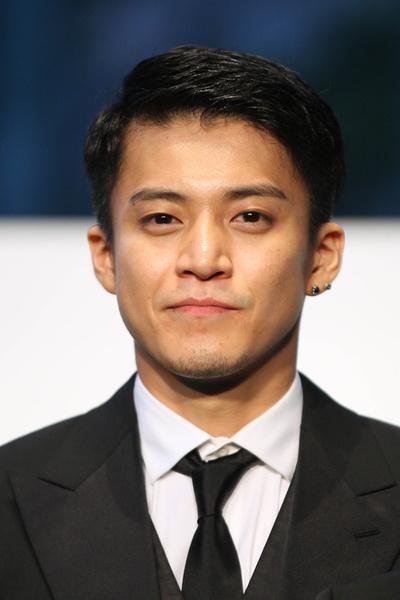小栗旬/Shun Oguri,  October 22, 2011 :  The 24th Tokyo International Film Festival, Opening Event Green Carpet  at Roppongi Hills Arena, Tokyo, Japan.   (Photo by AFLO) [1045]