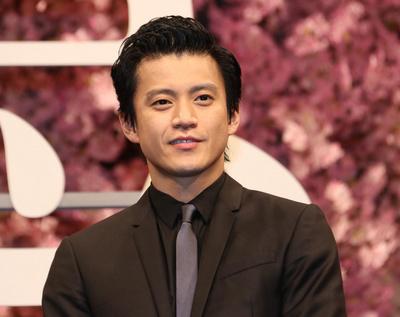 小栗旬, Apr 04, 2017 : 映画「追憶」の完成披露舞台あいさつ=2017年4月4日撮影