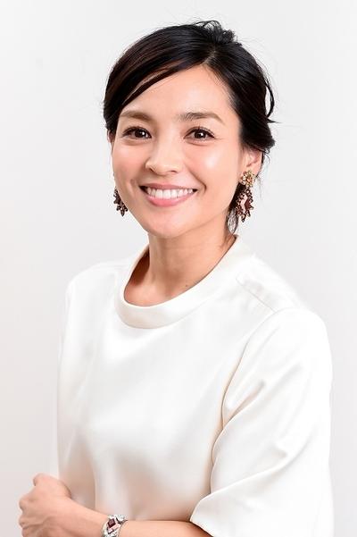 国仲涼子/Ryoko Kuninaka, Jan 12, 2015 : デートのエピソードを語った国仲涼子さん=2015年1月12日撮影