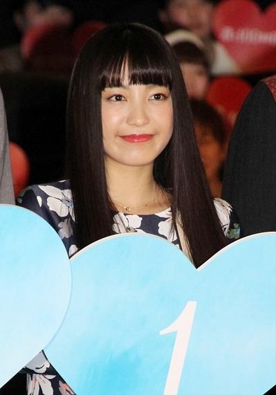 miwa, Feb 04, 2017 : 東京・TOHOシネマズ新宿で行われた映画「君と100回目の恋」の初日あいさつ