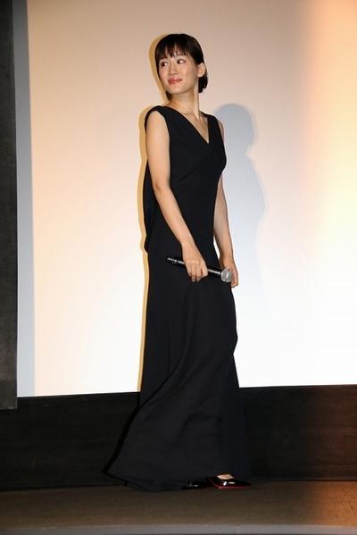 綾瀬はるか, Jun 04, 2016 : TOHOシネマズスカラ座で行われた主演映画「高台家の人々」の初日舞台あいさつ