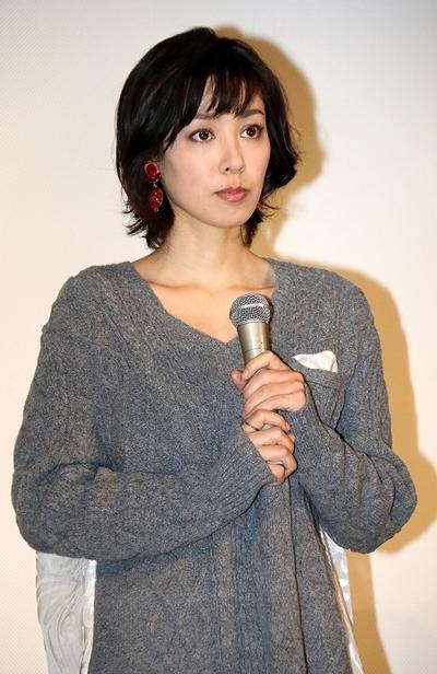 吹石一恵/Kazue Fukiishi, Nov 14, 2014 : 連続ドラマ「ママとパパが生きる理由。」の特別試写会に登場した吹石一恵さん=2014年11月14日撮影