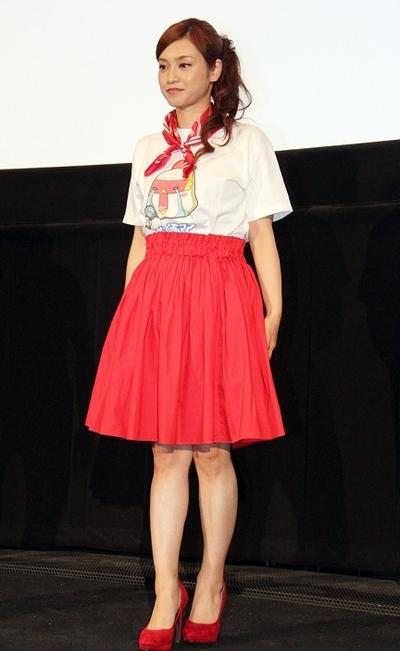 平愛梨, Jun 11, 2016 : 東京・新宿バルト9にて行われた映画「サブイボマスク」の初日舞台あいさつ