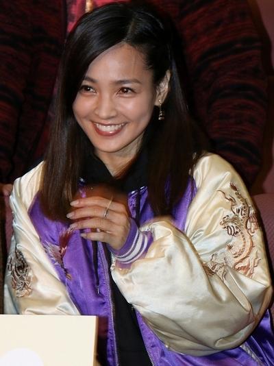 国仲涼子/Ryoko Kuninaka, Jan 12, 2015 : 連続ドラマ「デート~恋とはどんなものかしら~」試写会に登場した杏さん=2015年1月12日撮影