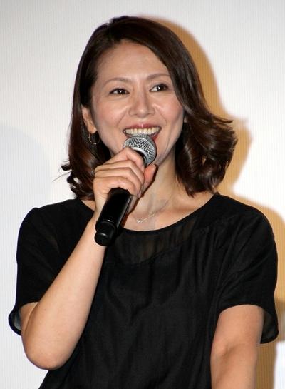 小泉今日子/Kyoko Koizumi, Jun 16, 2014 : 「続・最後から二番目の恋」のファンミーティングに登場した小泉今日子さん=2014年6月16日撮影
