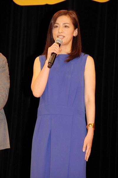 尾野真千子, Aug 02, 2016 : 都内で開催された映画「後妻業の女」の完成披露舞台あいさつ