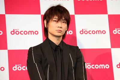 綾野剛, May 24, 2017 : NTTドコモの新サービス・新商品発表会に登場したブルゾンちえみさん=2017年5月24日撮影