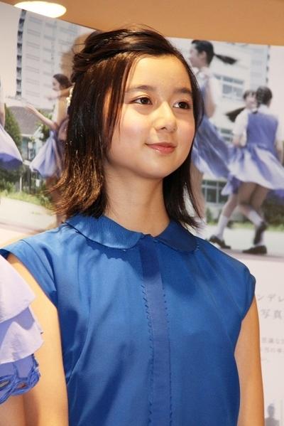 上白石萌歌/Moka Kamishiraishi, Feb 02, 2014 : 写真集「Afterschool コバルトデイジー」(ギャンビット)の発売記念イベント=2014年2月2日撮影