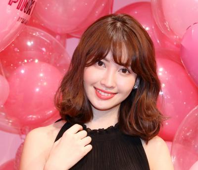 小嶋陽菜(AKB48), Mar 21, 2017 : サマンサタバサのポップアップストア「PINK WORLD BY SAMANTHA THAVASA」のトークショー