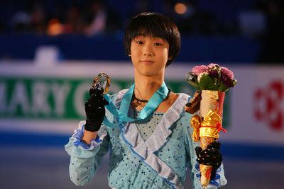 羽生結弦/Yuzuru Hanyu (JPN), DECEMBER 4, 2009 - Figure Skating : ISU Grand Prix of Figure Skating Final 2009/2010 Junior Men's Victory Ceremony at 1st Yoyogi Gymnasium, Tokyo, Japan. (Photo by YUTAKA/AFLO SPORT) [1040]