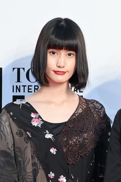 橋本愛, Oct 25, 2016 : 東京・六本木ヒルズアリーナにて開幕した第29回東京国際映画祭のオープニングセレモニー