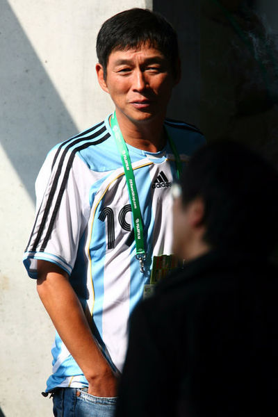 明石家さんま/Sanma Akashiya,   JUNE 16, 2006 - Football :   FIFA World Cup Germany 2006 Group C match between Argentina and Serbia & Montenegro at the Stadium Gelsenkirchen in Gelsenkirchen, Germany.    (Photo by Jun Tsukida/AFLO SPORT) [0003]