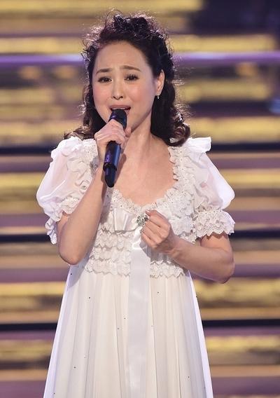 松田聖子/Seiko Matsuda, Dec 30, 2015 : 「第57回 輝く!日本レコード大賞」(日本作曲家協会など主催)の最終審査が30日、新国立劇場(東京都渋谷区)であり、TBS系で生放送された。