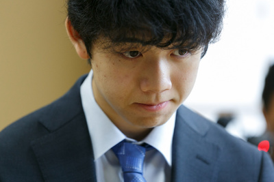 Shogi player Sota Fujii attends the 30th Ryuuou Tournament on May 25, 2017, Tokyo, Japan. Fujii and Seiya Kondo competed in tournament group 6 which was broadcasted online through Japanese video-streaming service Nico Nico Douga. (Photo by Rodrigo Reyes Marin/AFLO)