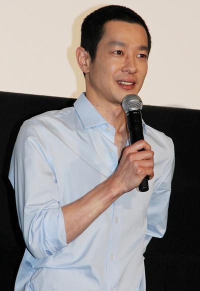 加瀬亮/Ryo Kase, May 25, 2013 : 「俺俺」(三木聡監督)の初日舞台あいさつに登場した加瀬亮さん=2013年5月25日撮影
