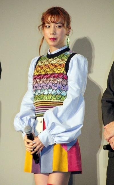 仲里依紗, Dec 24, 2016 : 東京都内で行われた映画「土竜の唄 香港狂騒曲」の公開記念舞台あいさつ